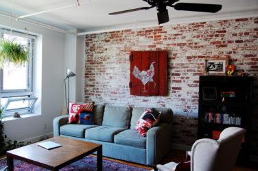 Как сделать кирпичную стену в квартире?